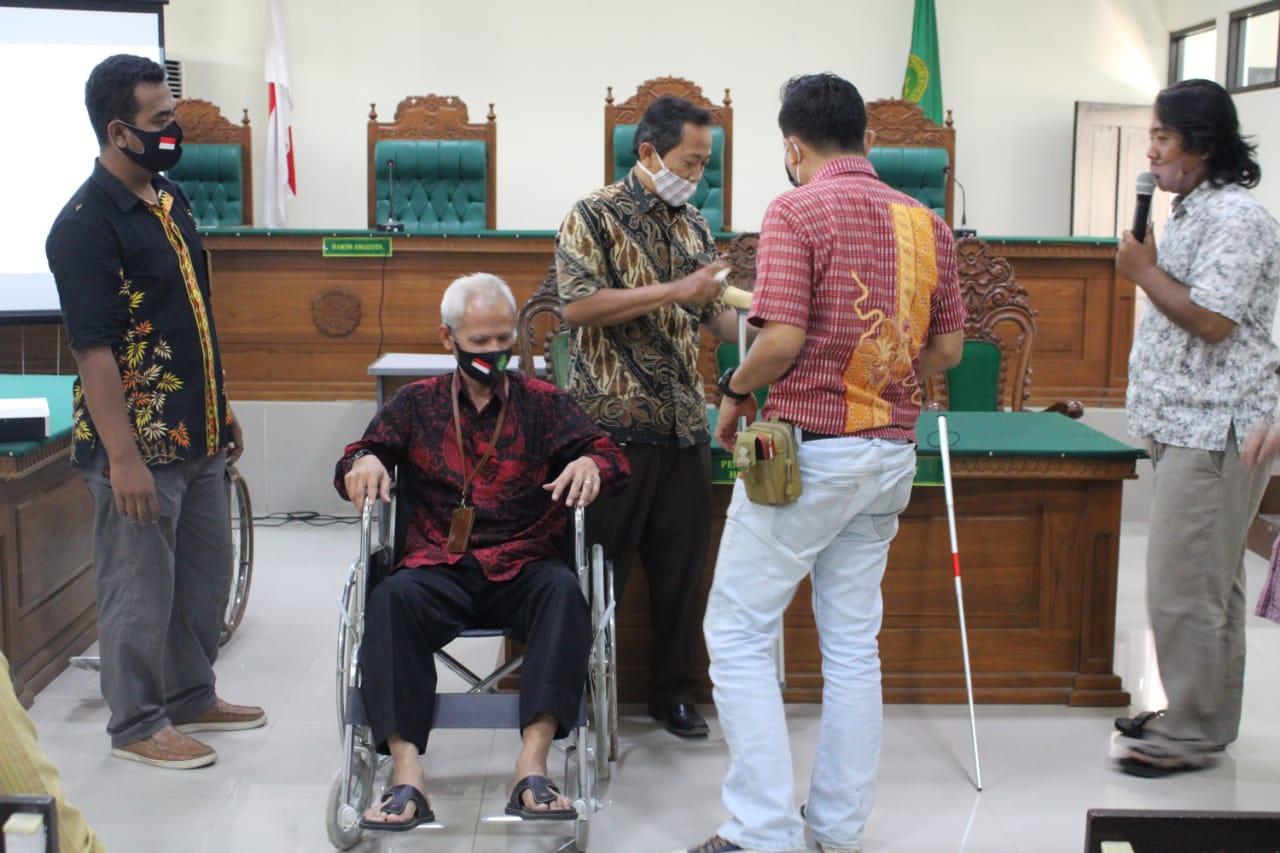 PN Karanganyar Tingkatkan Kapasitas Staf dalam Berinteraksi dengan Penyandang Disabilitas